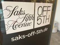 Saks fuori da quinto esterno del deposito Fotografia Stock Libera da Diritti