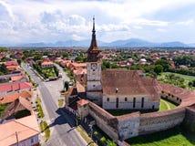 Saksische Versterkte Kerk in Sanpetru-dorp in Transsylvanië Romein stock foto