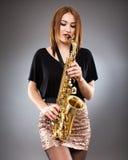 Saksofonowego gracza zbliżenie Fotografia Royalty Free