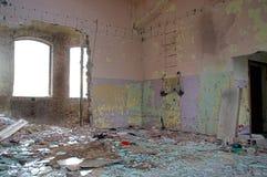 Salão arruinado da fábrica Imagem de Stock Royalty Free