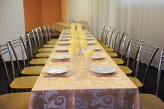 Salão barato do banquete do orçamento pequeno Fotografia de Stock Royalty Free