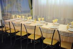 Salão barato do banquete do orçamento pequeno Imagem de Stock Royalty Free