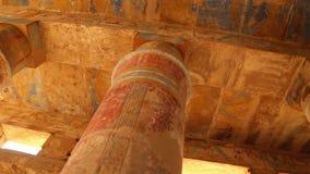 Salão colorido antigo no templo de Karnak - vídeo de Egito HD filme
