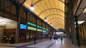 Salão da estação de estrada de ferro em Wroclaw (Breslau) - Polônia Imagens de Stock Royalty Free