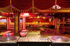 Salão de baile do clube nocturno imagens de stock royalty free