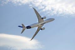 Salão de beleza aeroespacial internacional de MAKS Airbus A350 em voo Foto de Stock Royalty Free
