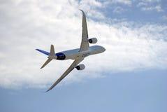 Salão de beleza aeroespacial internacional de MAKS Airbus A350 em voo Fotografia de Stock Royalty Free