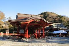 Salão de dança do santuário de Tsurugaoka Hachimangu imagens de stock royalty free