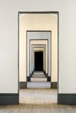 Salão de muitas portas Imagens de Stock