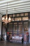 Salão de vida em Cheong Fatt Tze Mansion, Georgetown, Penang imagens de stock