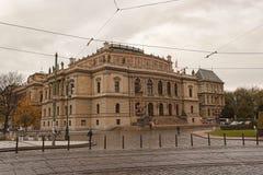 Salão do concerto e de exposição de Rudolfinum no centro de Praga, Fotografia de Stock