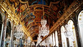 Salão do cristal dentro do palácio de Versalhes Imagem de Stock