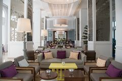 Salão do hotel Manzana Kempinski de Gran, La Habana Cuba fotografia de stock royalty free