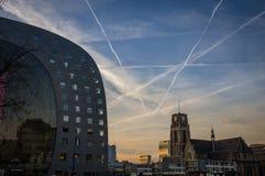 Salão do mercado de Rotterdam no crepúsculo Imagem de Stock