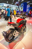 SALÃO DUAS RODAS - η 12η διεθνής μοτοσικλέτα, τα μέρη και ο εξοπλισμός παρουσιάζουν Στοκ Φωτογραφία