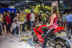 SALÃO DUAS RODAS - η 12η διεθνής μοτοσικλέτα, τα μέρη και ο εξοπλισμός παρουσιάζουν Στοκ εικόνα με δικαίωμα ελεύθερης χρήσης