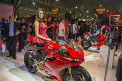 SALÃO DUAS RODAS - двенадцатые международные мотоцикл, части и оборудование показывают Стоковые Изображения RF