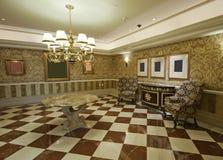 Salão espaçoso do vintage Imagem de Stock Royalty Free
