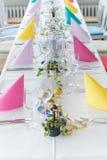 Salão festivo do banquete do ajuste da tabela Fotos de Stock Royalty Free