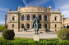 Salón de conciertos de Rudolfinum - Praga Foto de archivo