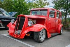 Salón de Ford Model CX de 1935 rojos Imágenes de archivo libres de regalías