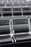 Salón que espera del aeropuerto Imagenes de archivo