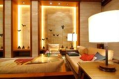 Salón y pasillo del hotel imagen de archivo libre de regalías