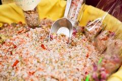 Sal cor-de-rosa do mar - Fleur De Sel para vender Provence, France imagem de stock