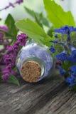 Sal de baño Sal con el aroma de flores Ingrediente natural Fotos de archivo