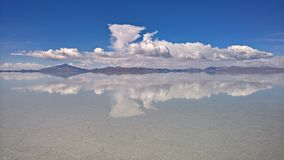 Sal de Uyuni liso - Bolívia Fotografia de Stock Royalty Free