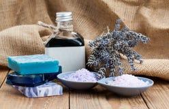 Sal del mar con el jabón hecho en casa Imagen de archivo libre de regalías