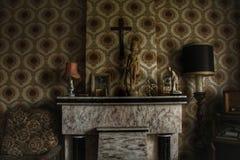 Sala assombrada da casa fotografia de stock royalty free