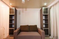 Sala com cores reconfortantes, atmosfera caseiro Imagem de Stock
