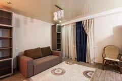 Sala com cores reconfortantes, atmosfera caseiro Fotos de Stock Royalty Free