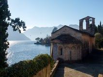Sala Comacina, lac de Como Le petit golfe avec le port Images libres de droits