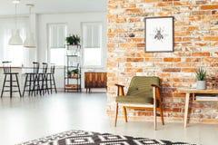 Sala da pranzo con mobilia rustica Immagine Stock Libera da Diritti