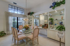 Sala da pranzo convenzionale domestica di lusso di Florida Fotografia Stock