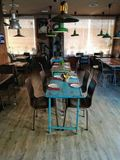 sala da pranzo decorata con gli oggetti d'antiquariato immagine stock