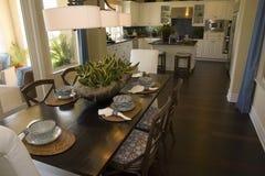 Sala da pranzo domestica di lusso fotografia stock libera da diritti
