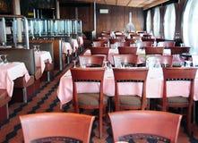 Sala da pranzo sulla nave da crociera immagini stock