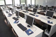 Sala de clase 4 del ordenador fotografía de archivo libre de regalías