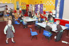 Sala de clase BRITÁNICA de la escuela infantil Foto de archivo libre de regalías