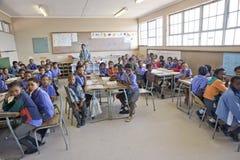 Sala de clase de una escuela primaria en Namibia Fotos de archivo