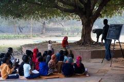 Sala de clase del aire abierto en los khas del hauz Fotografía de archivo libre de regalías