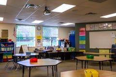 Sala de clase en escuela primaria foto de archivo libre de regalías