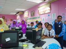Sala de clase en laboratorio del ordenador Foto de archivo libre de regalías