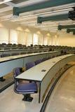 Sala de clase (foco en el medio de la clase) Fotografía de archivo libre de regalías