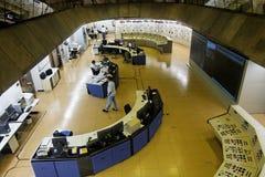 Sala de comando Hydroelectric da central energética de Itaipu imagem de stock royalty free