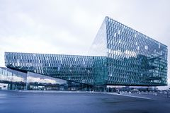 Sala de concertos de Harpa em Reykjavik, Islândia imagem de stock royalty free