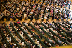 Sala de conciertos Auditori Banda de municipal Barcelona con la audiencia Foto de archivo libre de regalías